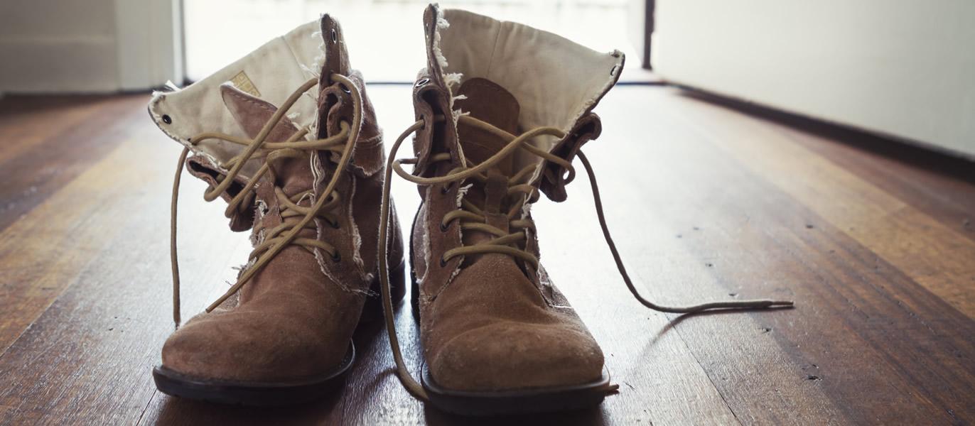 10 motivi per NON indossare MAI le scarpe in casa